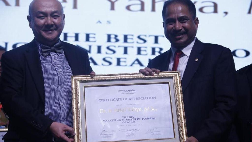 Menpar Raih Penghargaan di Anugerah MarkPlus Marketeer of The Year