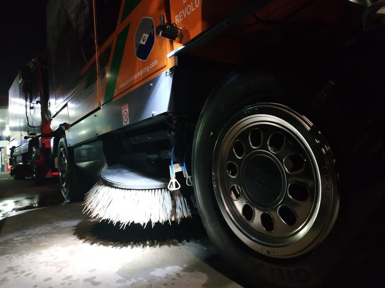 Truk Road Sweeper. Foto: Ridwan Arifin