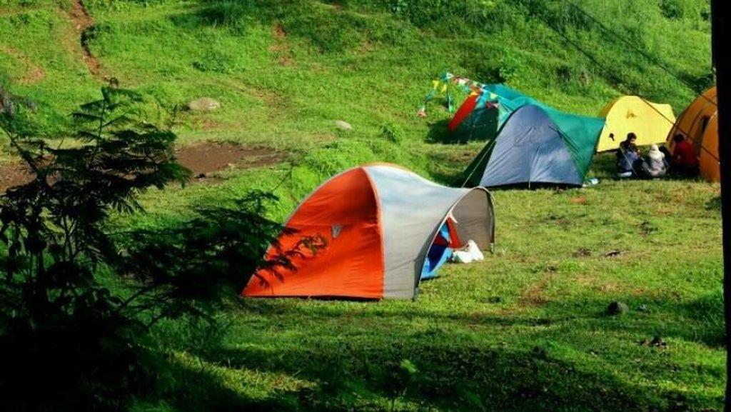 Cara Nikmati Bogor Saat Weekend, Kemping di Buper Sukamantri