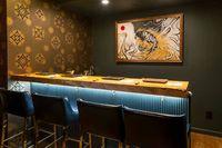 Keren! Restoran Sushi Ini Terletak di Dalam Kamar Hotel yang Unik