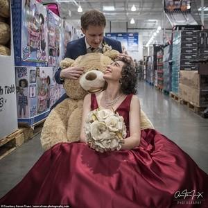 Viral, Pasangan Ini Menikah di Supermarket Bertema Harry Potter