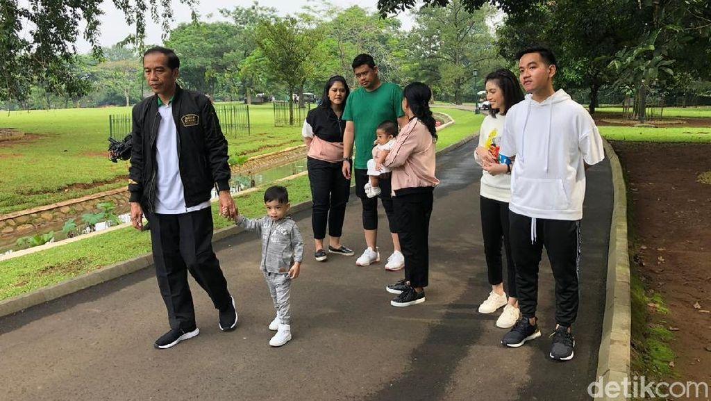 Jokowi Pajang Foto Keluarga, Sudjiwo Tedjo Ingatkan Hal Ini