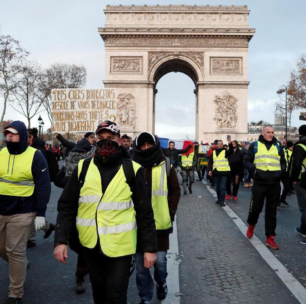 1 Demonstran Rompi Kuning di Prancis Tewas Ditabrak Truk