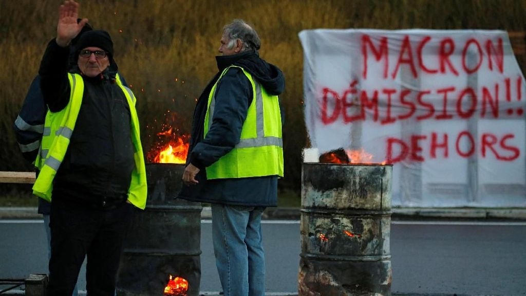 Melihat Massa Rompi Kuning Jelang Aksi Akhir Pekan