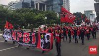Ratusan Buruh Berunjuk Rasa di Istana, Soroti Pelanggaran HAM