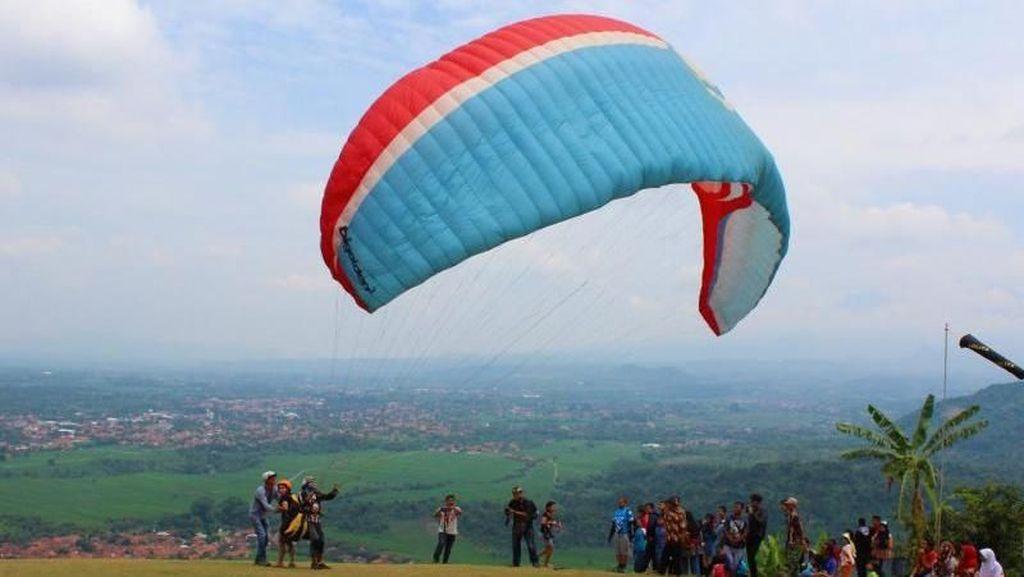 Sensasi Wisata Langit ala Gunung Panten di Majalengka
