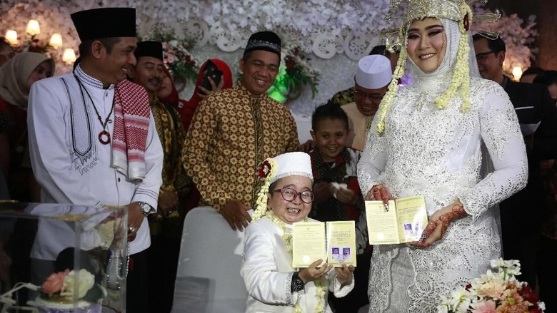 Aseek! Daus Mini Diendorse Adly Fairuz Honeymoon ke Bali