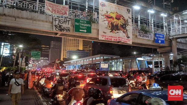 Persija Juara, Jalan-jalan di Kawasan Senayan Macet Total