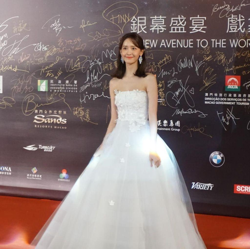 Yoona SNSD Cantik Bak Princess di Karpet Merah Festival Film Macau 2018