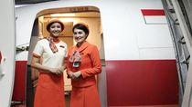 Asyiknya Penerbangan Vintage Garuda, Pramugarinya Berseragam Jadul