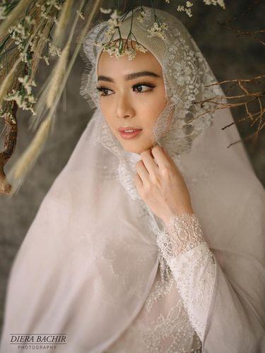 Cantiknya Lindswell Kwok di Foto Post-Wedding Setelah Resmi Menikah