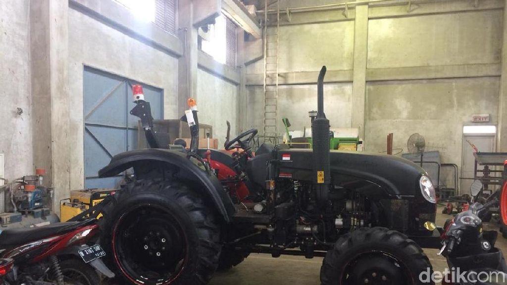 Begini Penampakan Traktor Hantu yang Bisa Jalan Sendiri