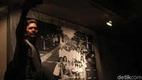 Pameran foto yang dikemas dengan konsep Documentary Street Art ini menarik pengunjung.