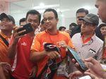Suporter Persija Serukan Stadion Saat Foto Bareng Anies