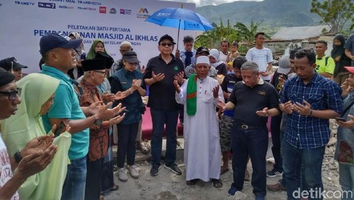 Foto: Marathon! CT Tanam Batu Pertama 9 Sekolah dan 3 Masjid Sulteng. (Elvan Dany Sutrisno/detikcom)