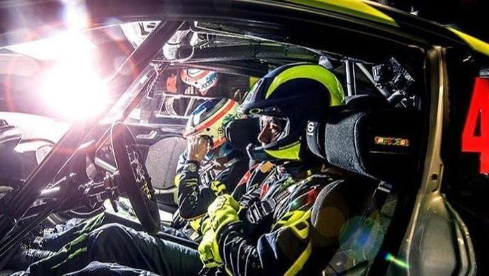 Aksi Valentino Rossi mengikuti Reli Monza dan kemudian jadi juara (Instagram @valentinorossi46_)
