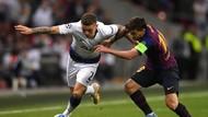 Pochettino Bakal Paksa Barca Mainkan Messi dan Suarez
