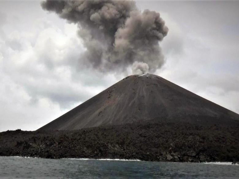Gunung Anak Krakatau Siaga, Kemenhub Minta Pelaku Pelayaran Waspada