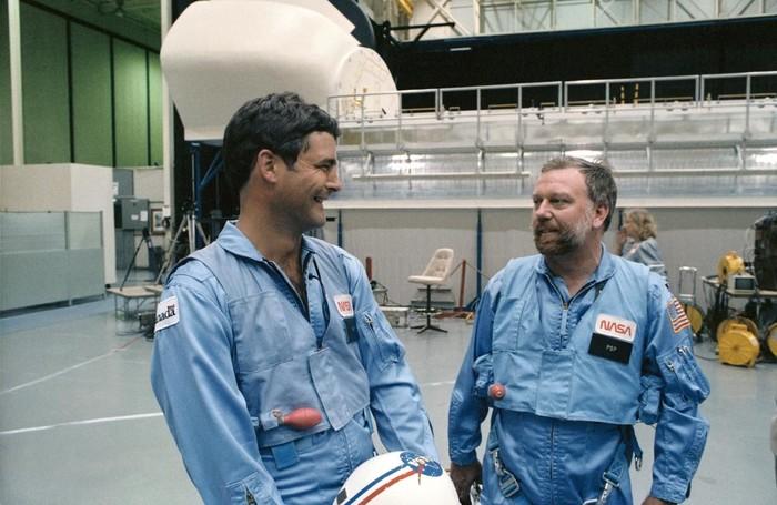 Scully-Power (kanan). Foto: NASA