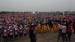 Pecahkan Rekor MURI, Ratusan Anak TK dan SD Zumba Bareng Ibu