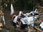 Foto Banjir Malang : Mobil Terseret, Tanah Ambrol