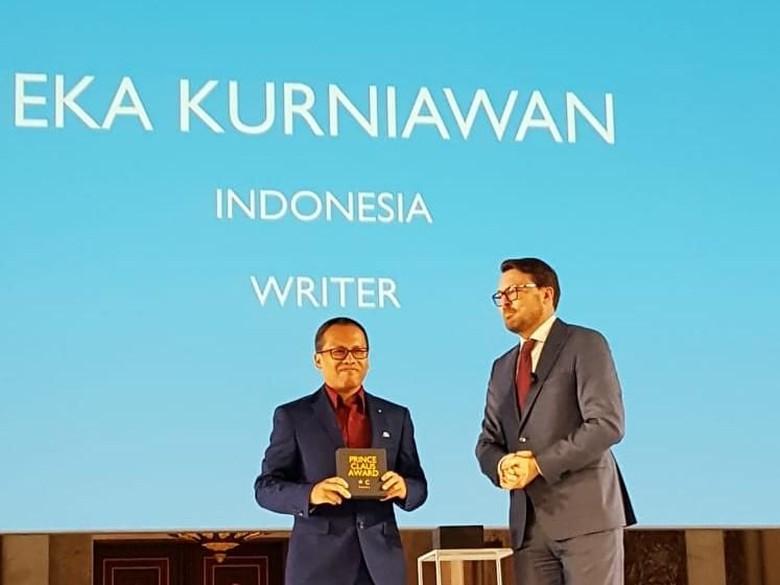 Eka Kurniawan Terima Prince Claus Awards di Belanda