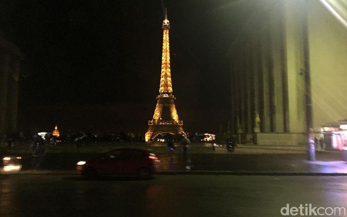 Aksi unjuk rasa gerakan Rompi Kuning kembali digelar di Paris, Prancis, akhir pekan lalu. Para demonstran sempat terlibat bentrok dengan polisi anti huru-hara di ibu kota Prancis tersebut. Sehari setelah demo berakhir, kota Paris pun kembali seperti sedia kala.