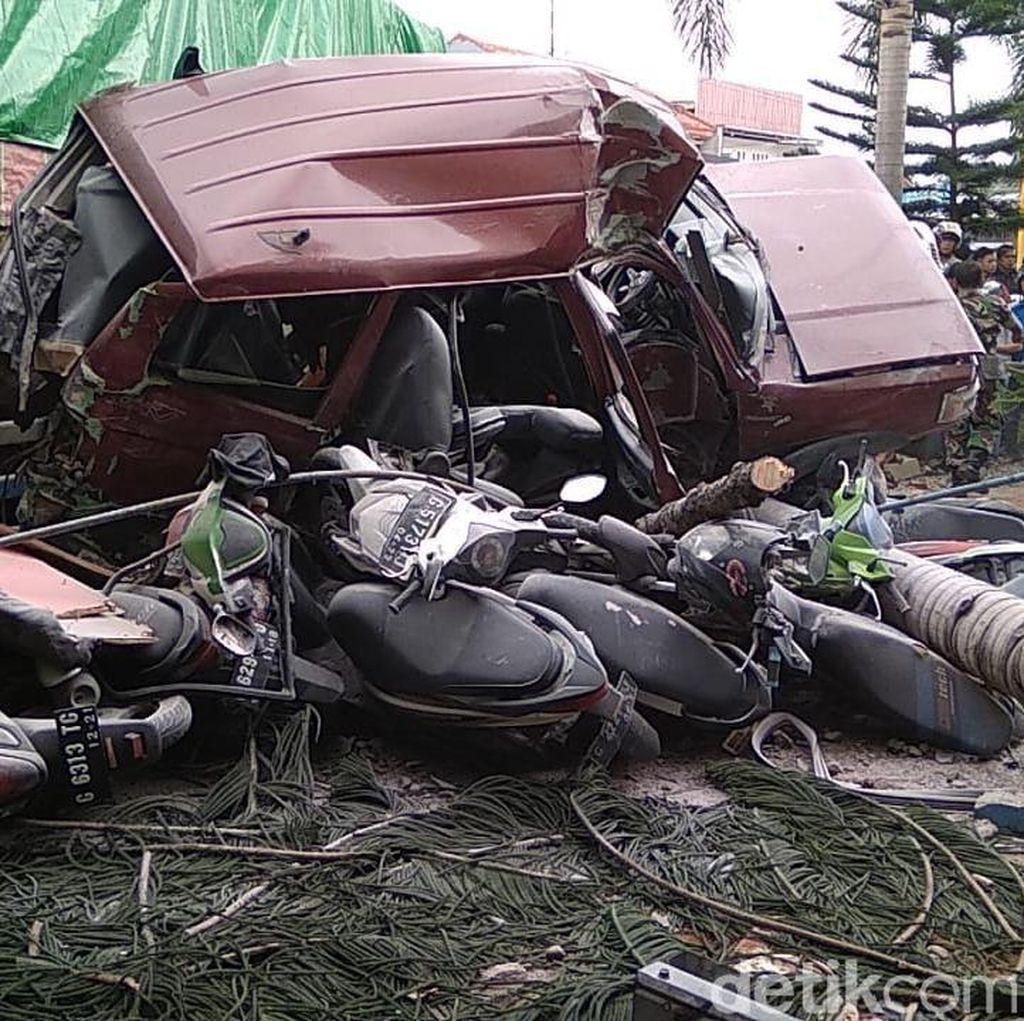 Truk Tabrak Sejumlah Kendaraan di Bumiayu Brebes, 3 Orang Tewas
