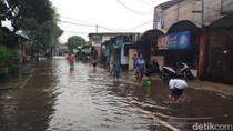 Kali Mampang Meluap, Pasar Jagal Warung Buncit Tergenang