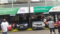 Mobil Listrik Mewah Nangkring di SPBU Pertamina Kuningan, Ada Apa?
