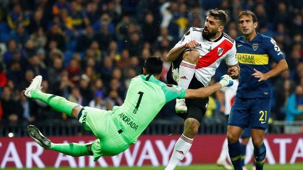 Lucas Pratto menyamakan kedudukan menjadi 1-1 sehingga pertandingan dilanjutkan ke babak 2x15 menit.