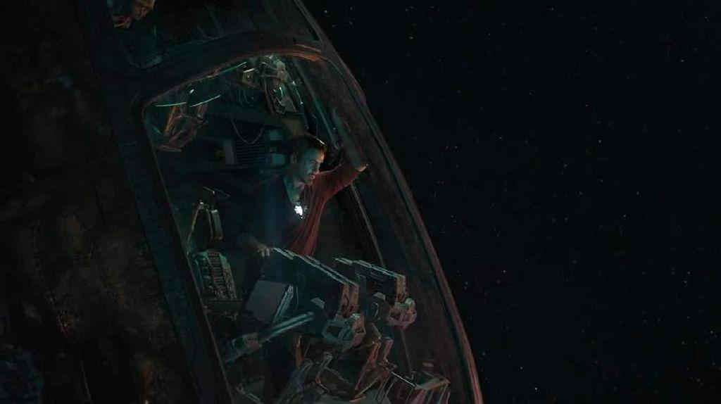 Tony Stark Terombang-ambing di Angkasa, NASA Tawarkan Bantuan