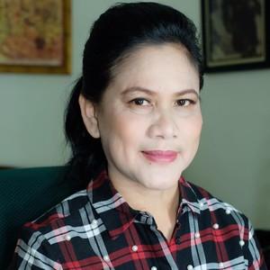 Dampingi Jokowi di Debat Capres 2019, Iriana Anggun Berkebaya Putih