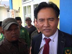 Yusril Minta Jokowi Maafkan Habib Bahar bin Smith