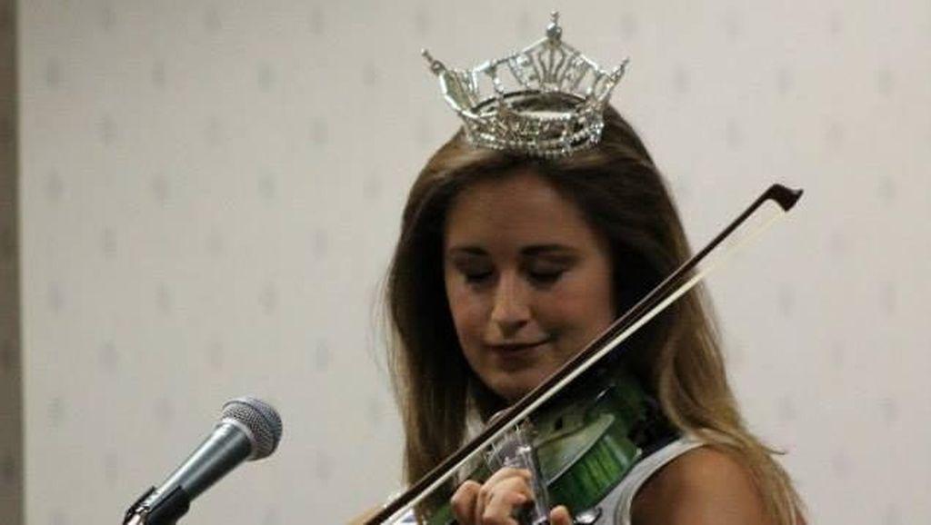 Kirim Foto Tanpa Busana ke Anak 15 Tahun, Ratu Kecantikan Ini Dipolisikan