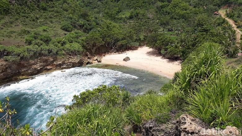 Foto: Salah satu pantai di Gunungkidul (Pradito Rida Pertana/detikTravel)