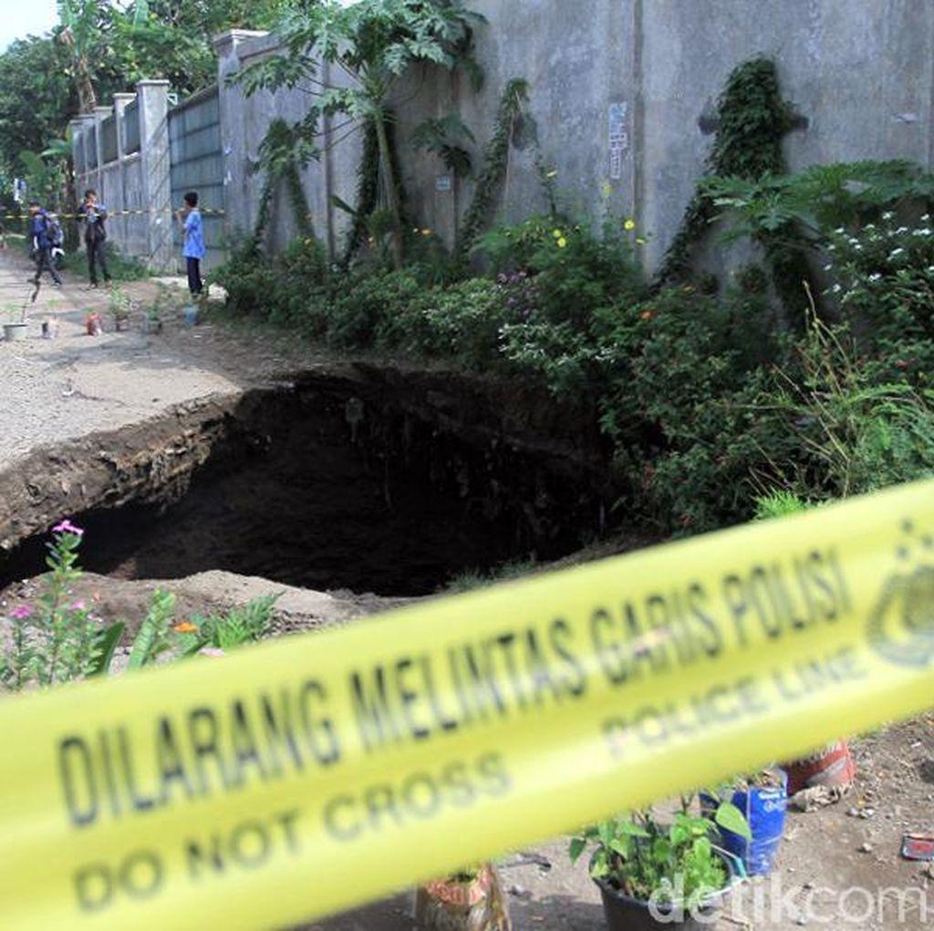 Jalan Ambles di Kutawaringin Segera Ditutup Pemkab Bandung