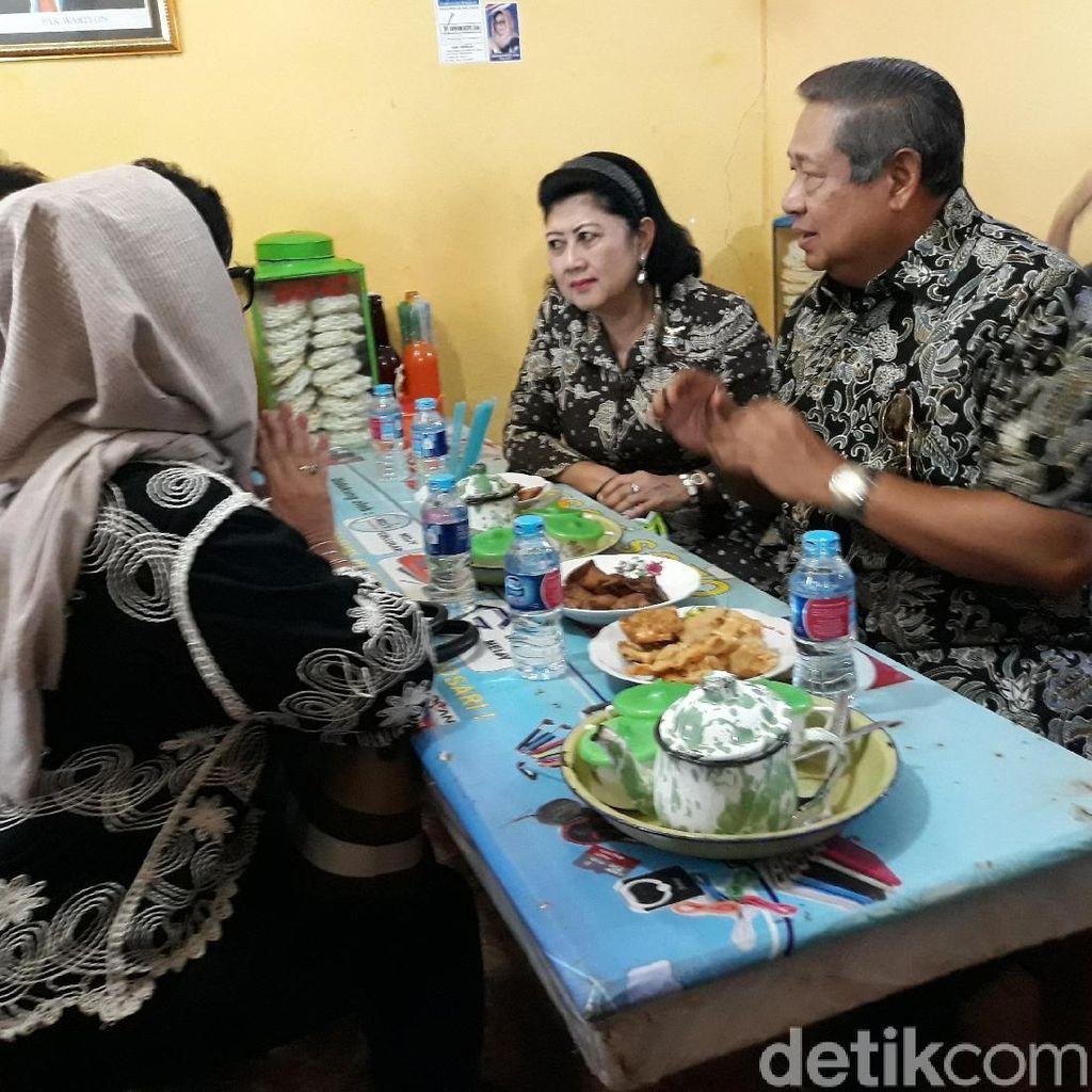 Berkunjung ke Gunungkidul, SBY dan Ani Jajan Bakso di Pasar