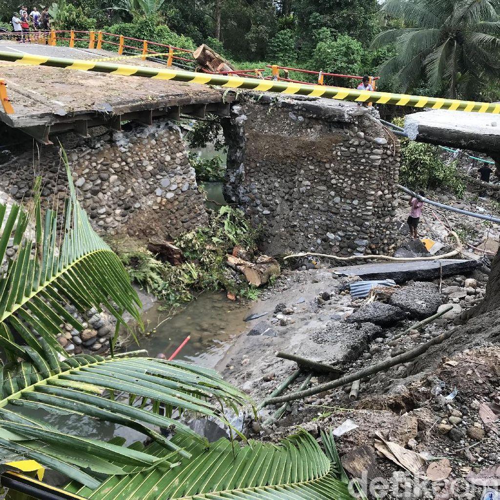 Total Ada 5 Jembatan di Sumbar Ambruk Akibat Banjir