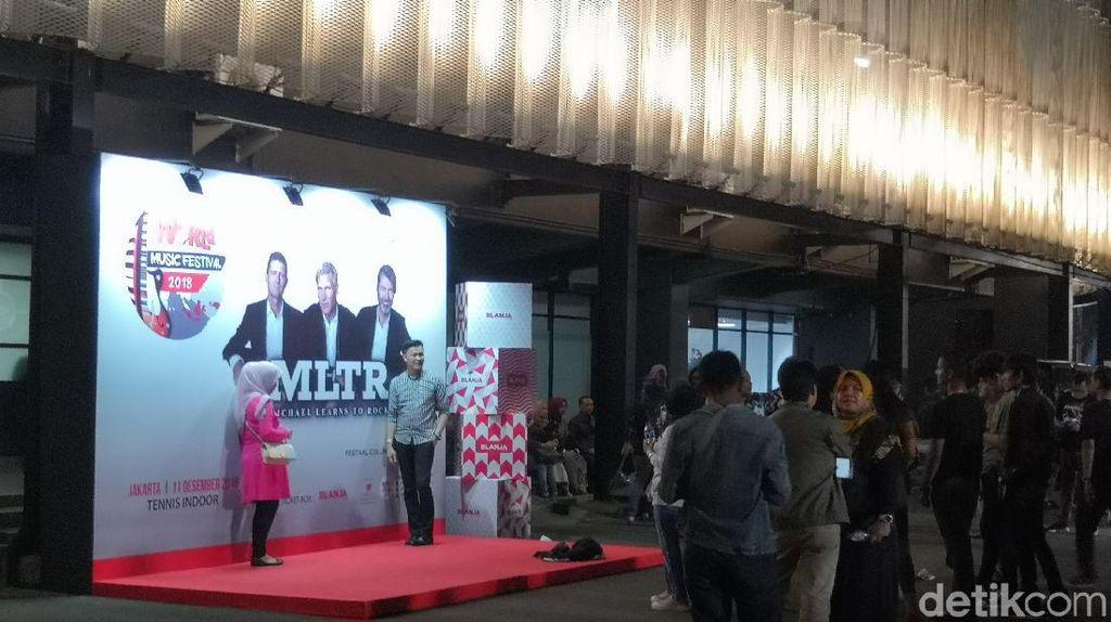 Antusiasme Penonton Jakarta untuk Michael Learns to Rock