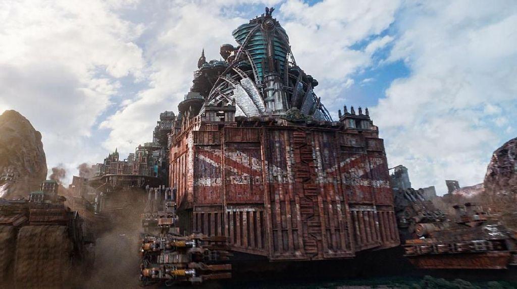 Mortal Engines: Bertahan Hidup Di Atas Roda Berputar