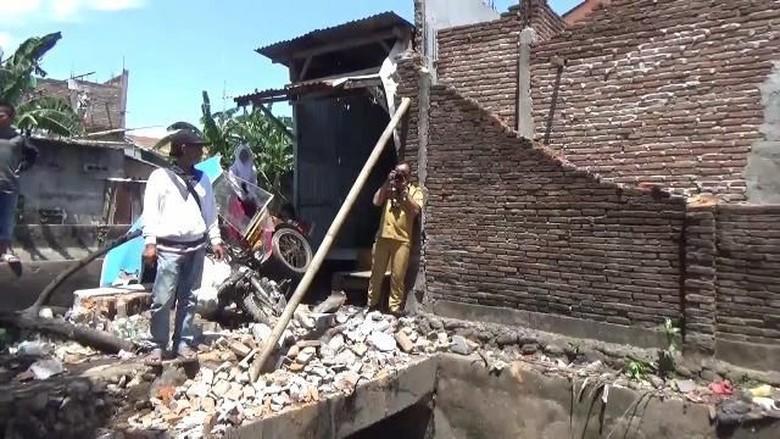 2 Bersaudara Ini Tewas Tertimpa Tembok Runtuh di Makassar