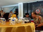 Momen Bahagia Irawan Korban Selamat KKB Papua Bertemu Keluarga
