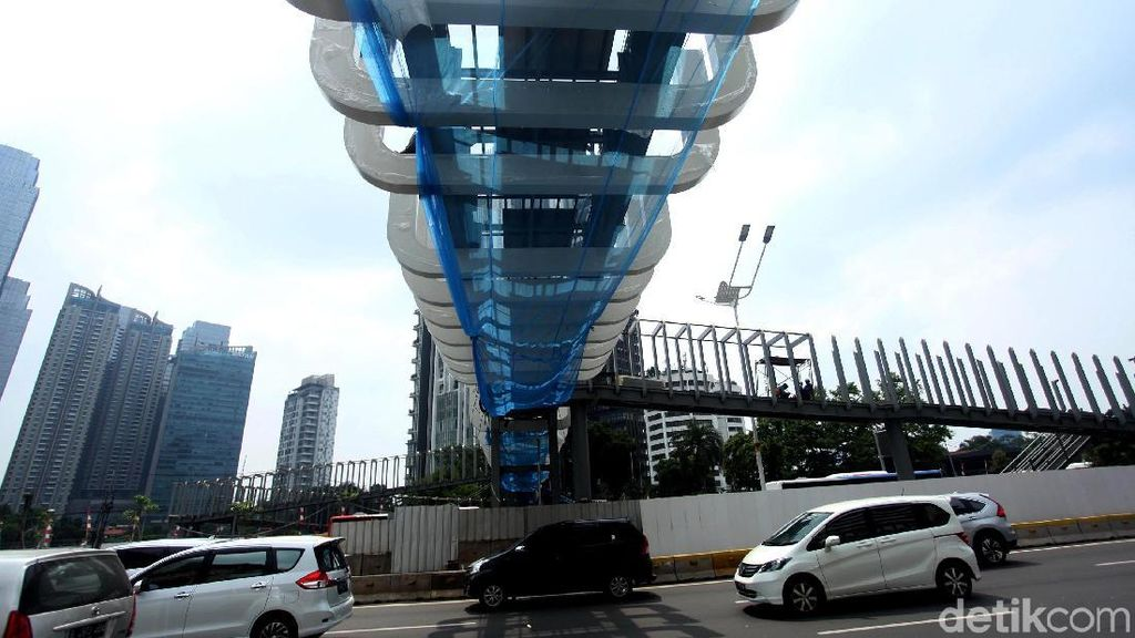Penampakan Terkini Pembangunan JPO Ratu Plaza