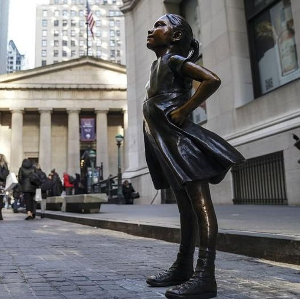 Sempat Diprotes, Patung Fearless Girl Kini Punya Rumah Permanen