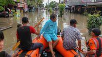 Banjir Landa Pekanbaru, Warga Dievakuasi