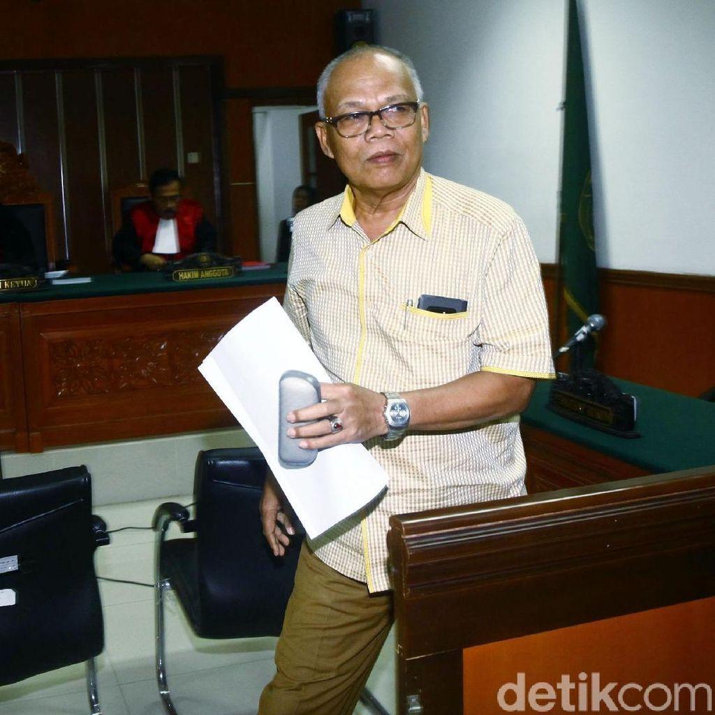 Ekspresi Caleg Gerindra Saat Divonis Hukuman Percobaan