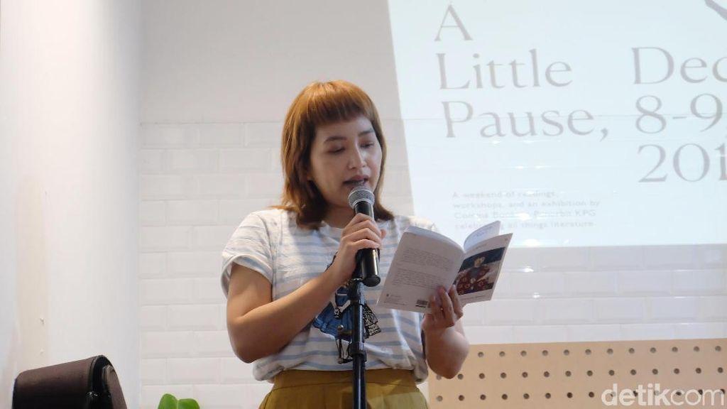 Menulis Puisi Sebagai Terapi bagi Anya Rompas