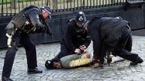 Polisi Tangkap Pria Penyusup Kompleks Gedung Parlemen Inggris