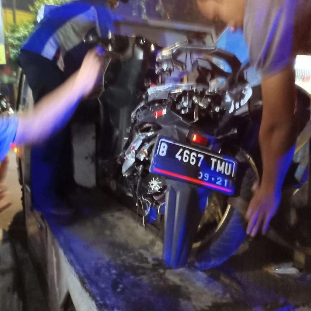 Lawan Arus Lintasi Rel, Anggota TNI Tewas Tertabrak Kereta Api